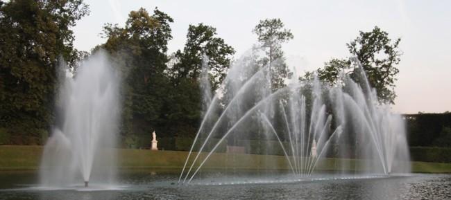 Les grandes eaux de versailles for Bassin miroir
